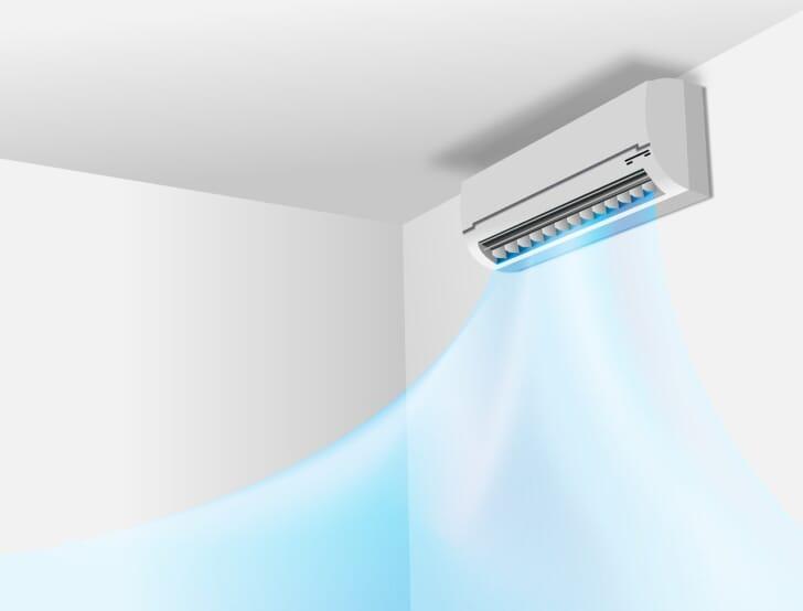 エアコンから冷気が出ている写真