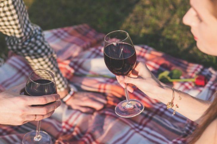 ピクニックをしている写真
