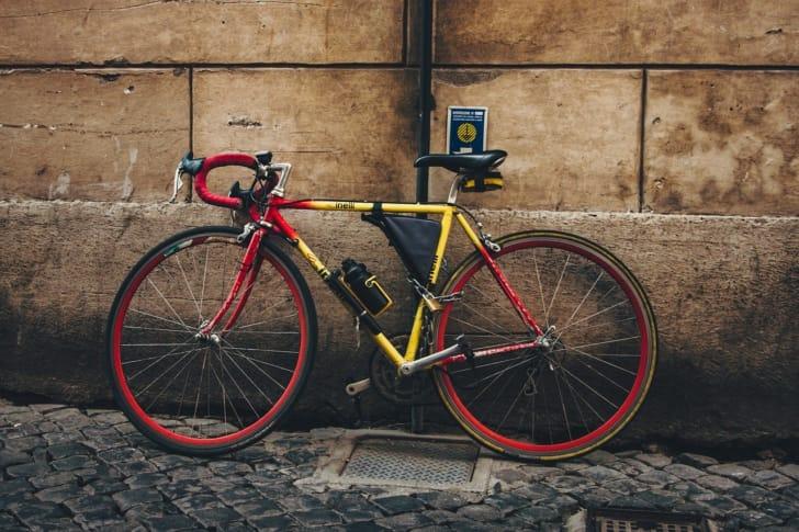 ボトルケージ付きの自転車の写真