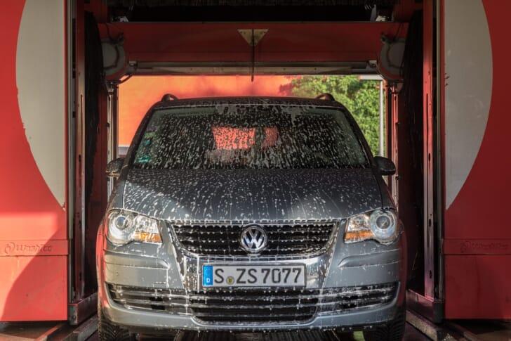 洗車している写真