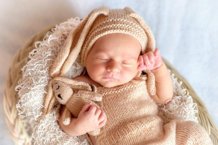 寝ている赤ちゃんの写真