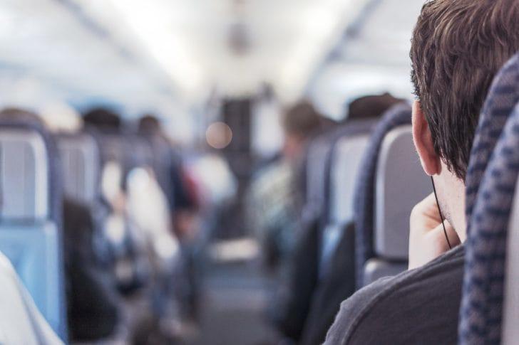 飛行機の中の写真