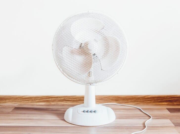 白い扇風機の写真