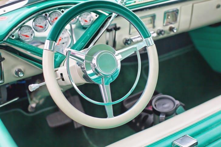 車の中のドリンクホルダーの写真