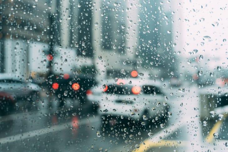 雨の日の車の写真