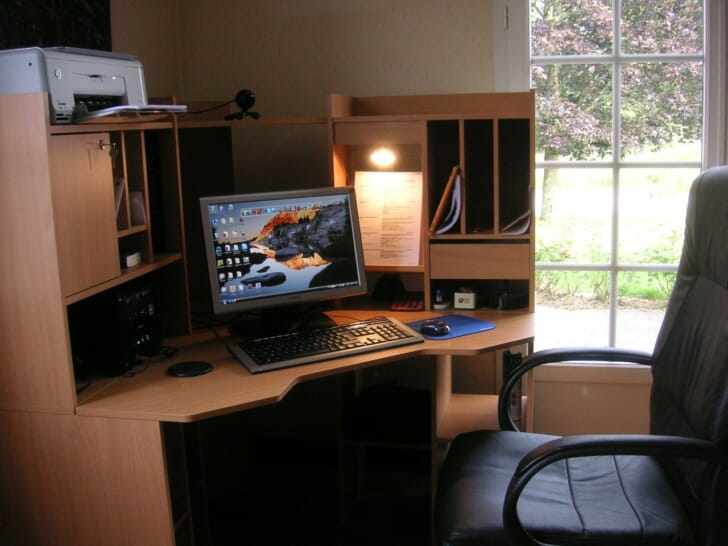デスクトップパソコンの写真
