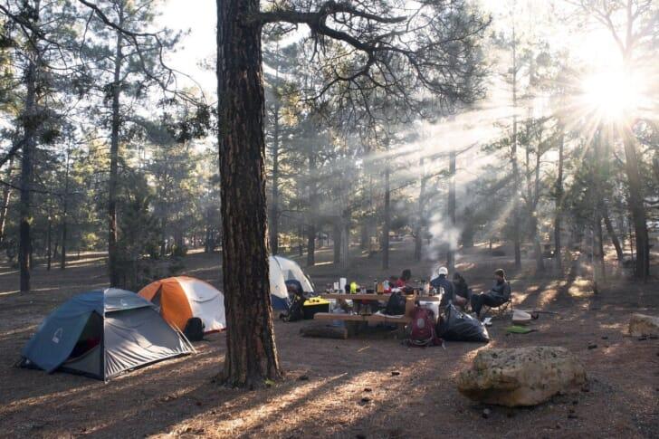 ファミリーキャンプ初心者におすすめのテントの写真